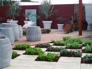 Garden colour study learn garden design at home for Home study garden design courses
